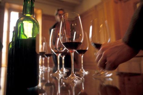"""Der russische Joint-Venture-Fonds BCD hat dem deutschen Internet-Weinhändler """"Wine in Black"""" über 5 Mio. Euro spendiert. Foto: DPA / Vostock Photo"""