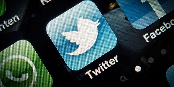 Der Online-Dienst Twitter sperrt Beiträge mit rechtswidrigen Inhalten für Nutzer aus Russland und erstattet darüber Bericht an die russische Behörde Roskomnadsor. Foto: AP