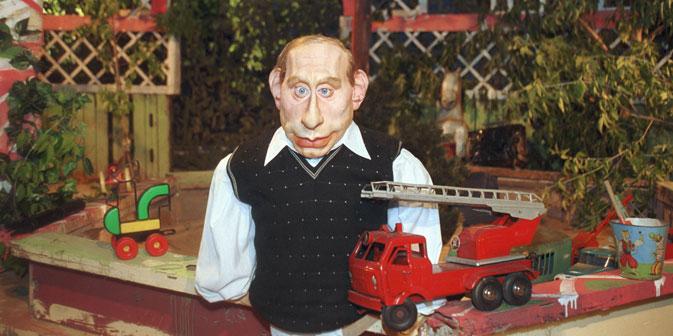 """1994 startete mit """"Kukly"""" (Puppen) die wahrscheinlich wichtigste parodistische Sendereihe Russlands. Foto: Kommersant"""