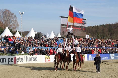 Die Pyramide der russischen Reiter auf Pferden. Foto: Uwe Gerken