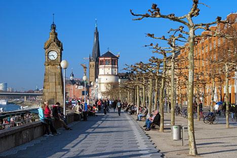 Die Anzahl der russischen Touristen in Europa wächst. Auf dem Bild: Die Rheinuferpromende in Düsseldorf. Foto: Lori / Legion Media