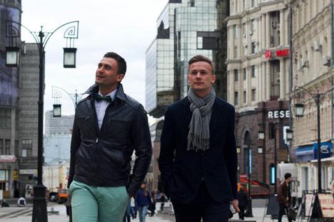 Zwei Männer gehen die Kammerherren Gasse entlang. Foto: Benjamin Hutter
