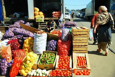 Manche Obst- und Gemüsemärkte sind in Moskau von kaukasischen und asiatischen Händlern kontrolliert. Foto: ITAR-TASS