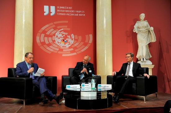 Sergej Lawrow und Guido Westerwelle haben am 15. Mai an feierlicher Veranstaltung zum 20-jährigen Jubiläum des Deutsch-Russischen Forums teilgenommen. Foto: Deutsch-Russisches Forum