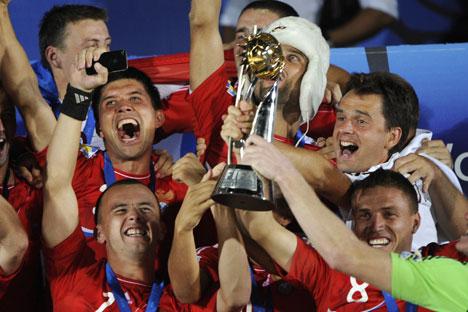 2011 feierte die russische Strandfußball-Mannschaft ihren ersten großen Sieg. Foto: AFP / East News