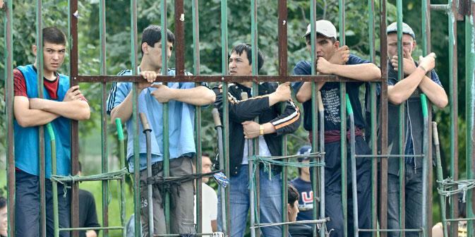 Human Rights Watch verfügt über konkrete Beweise dafür, dass bestimmte Arbeitnehmer in der Olympiastadt Sotschi die Verträge ihrer ausländischen Mitarbeiter missachten, ihnen die Löhne vorenthalten sowie ihre Pässe beschlagnahmen. Foto: ITAR-TASS