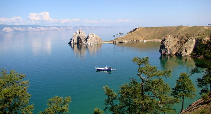 Die Insel Olchon ist ein lohnenswertes Reiseziel für viele ausländische Touristen. Foto: Tatjana Marschanskich