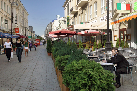 Dans la structure des petites entreprises russes dominent le commerce et la réparation des automobiles et des autres appareils ménagers, qui occupent près d'un tiers du marché. Crédit Photo : ITAR-TASS