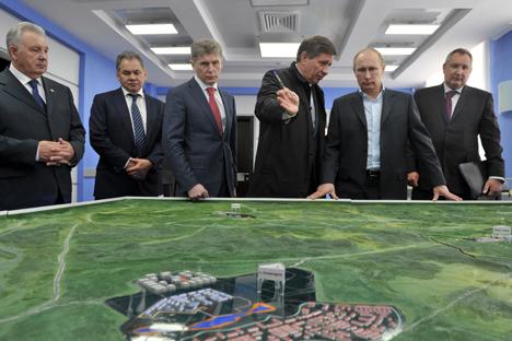 Wladimir Putin beim Besuch des Weltraumbahnhofs Wostotschny im April 2013. Foto: ITAR-TASS
