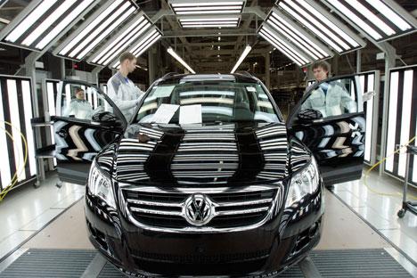 Der deutsche Autobauer Volkswagen führt in Russland die Liste der Autoverkäufe an. Foto: Reuters