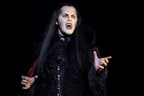 """Die Szene aus dem Musical """"Tanz der Vampire"""". Foto: Alexander Utyupin"""