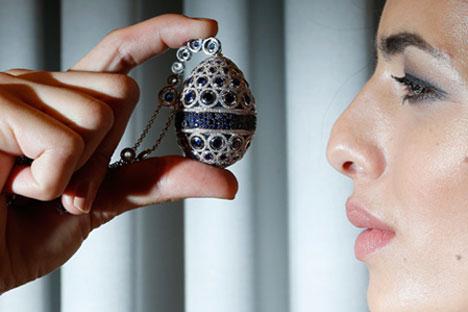 Entre peças que serão expostas no palácio Chuválovski estão coleção de ovos de Páscoa Fabergé do empresário Foto: Reuters