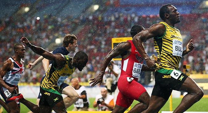 Trotz Blitzen und strömenden Regens ließ Usain Bolt seinen Gegnern in Moskau keine Chance. Foto: ITAR-TASS
