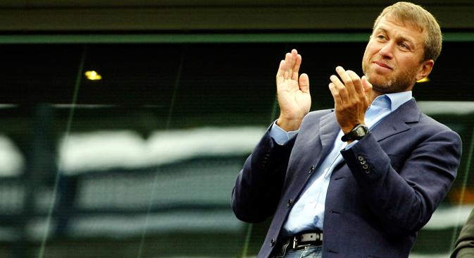 Abramovitch est plus populaire auprès des jeunes (14 % chez les sondés de moins de 24 ans et seulement 4% chez les plus de 45 ans), la plupart des sondés justifient sa popularité par son implication dans le football. Crédit photo : Reuters