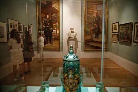 Das Staatliche Historische Museum in Moskau zeigt eine Ausstellung anlässlich des 400. Jahrestags der Regentschaft der Zarenfamilie Romanow. Foto: Ruslan Suchuschin
