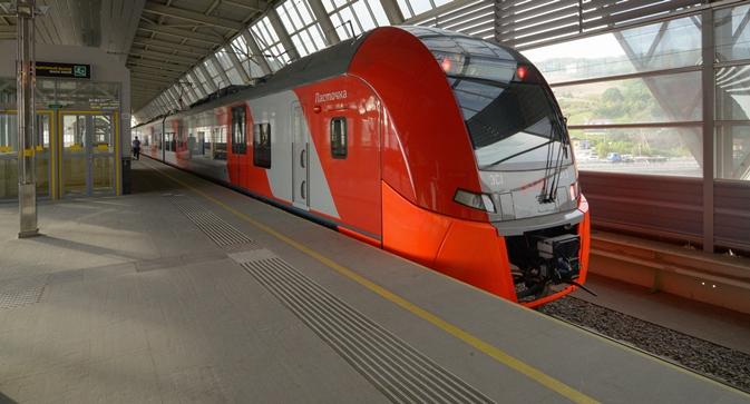 """Den Transport der Teilnehmer und Gäste der Sotschi-Olympia übernehmen die """"Schwalben"""", modernste Züge, die speziell für den regionalen Passagiertransport in Russland entwickelt wurden. Foto: ITAR-TASS"""