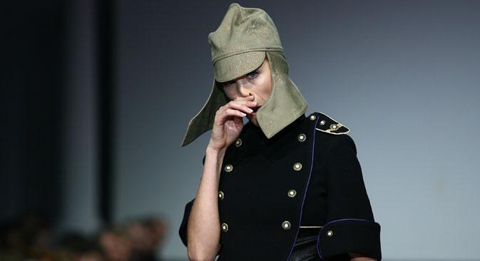 Die Militärmütze Budjonowka trägt man noch heute gern.  Foto: ITAR-TASS