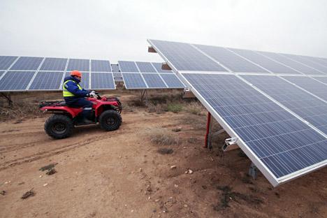 Der russische Hersteller von Komponenten für Solarmodule Helios Resource, der zuvor auf den deutschen Markt der erneuerbaren Energien ausgerichtet war, wird in Mordwinien eine Fabrik zur Herstellung von Solarpanels eröffnen. Foto: ITAR-TASS
