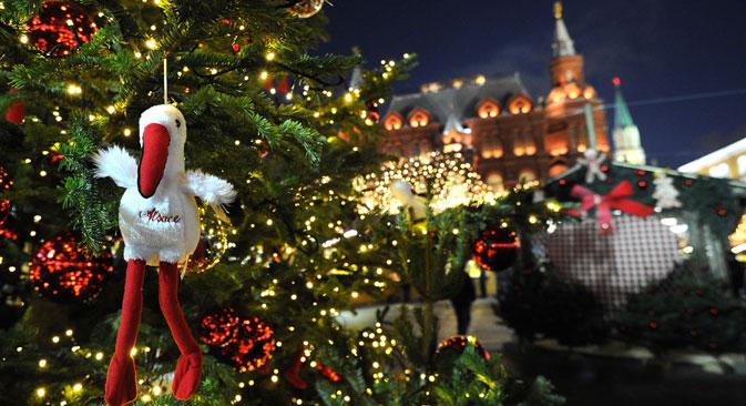 Eins haben sowohl Deutsche als auch Russen beim Feiern gemeinsam: den Wunsch, die Feiertage entspannt und fröhlich, mit viel Essen und Geschenken im Kreise der Familie und ihrer engsten Freunde zu verbringen. Foto: RIA Novosti
