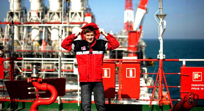 Die hohen Arbeitslöhne der Angestellten in der Erdölindustrie rufen sowohl Anerkennung als auch Neid hervor. Foto: Michail Mordassow