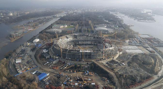 Die Baufristen der Gazprom-Arena wurden bereits 19 Mal verschoben. Foto: PhotoXPress