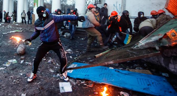 """""""Was derzeit auf dem Maidan passiert, ist ein Beispiel dafür, was aus den Demonstrationen am Bolotnaja-Platz hätte werden können"""", sagt Präsident der Stiftung für Demokratieforschung Maksim Grigorjew. Foto: Reuters"""