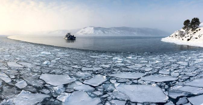 Von Listwjanka legen täglich Schiffe zu den unterschiedlichsten Anlegepunkten entlang des Baikalsees ab. Foto: Lori / Legion Media