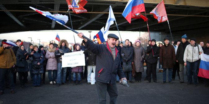 Die Teilnehmer der Demonstration für den Beitritt Krims zu Russland am 2. März in Moskau. Foto: ITAR-TASS