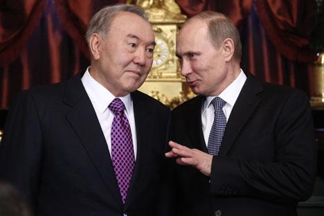 Der russische Präsident Wladimir Putin und sein Amtskollege aus Kasachstan Nursultan Nasarbajew. Foto: ITAR-TASS