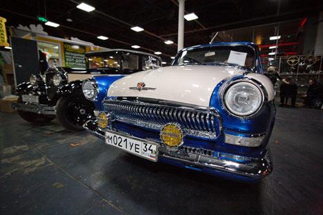 A restauração de um carro antigo dura cerca de um ano e custa a partir de 150 mil rublos (cerca de US$ 5 mil) Foto: Ruslan Úchin