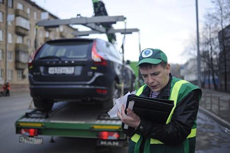 Ein Abschleppfahrzeug  auf den Straßen von Moskau. Foto: ITAR-TASS
