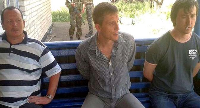 """Das Fernsehteam von """"LifeNews"""". Foto: Pressedienst des ukrainischen Verteidigungsministeriums"""