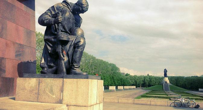 Sowjetische Ehrenfriedhöfer bleiben frei von der politischen Konjunktur. Foto: Pjotr Chedinov