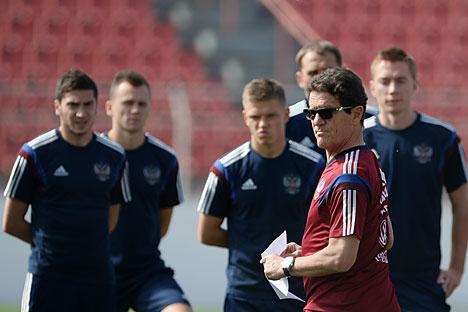 Die Spieler der russischen Nationalmannschaft und der Chertrainer Fabio Capello beim Training in der brasilianischen Stadt Itu. Foto: RIA Novosti