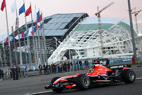 Die vom deutschen Bauingenieur Hermann Tilke entworfene Rennstrecke fordert von Vettel, Kwjat & Co. höchstes Können.  Foto: ITAR-TASS