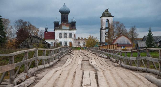 Eine verfallene Kirche in der Stadt Kem nahe Archangelsk. Foto: Geo Photo