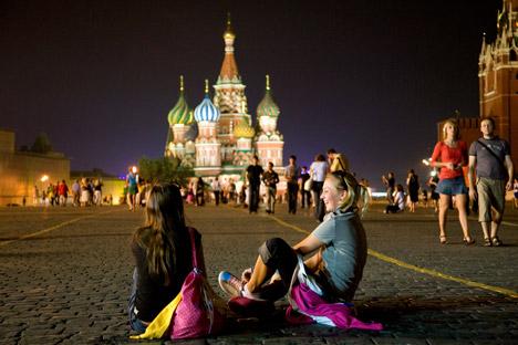 Die Sprachkenntnisse der Ausländer werden zukünftig noch vor Erteilung einer Arbeitserlaubnis in Russland obligatorisch geprüft. Foto: Getty Images / Fotobank