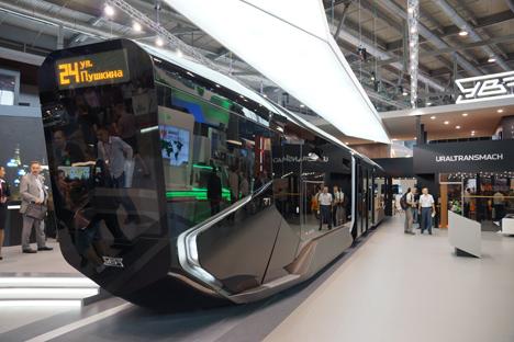 Die neue Straßenbahn ist mit Wi-Fi, GPS, einem Navigationssatellitensystem, Videokameras statt Außenspiegeln und Klimaanlage ausgerüstet. Foto: Darja Kesina
