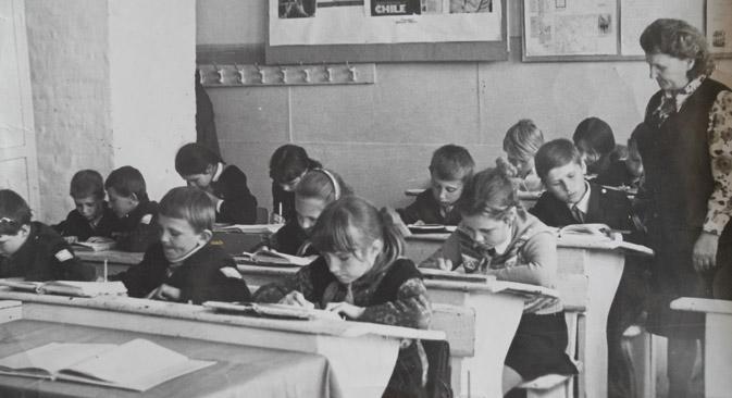 """""""Das Wichtigste für mich war immer zu wissen, womit ich meinen Unterricht beginne und womit ich ihn beende"""", erzählt Ewdokija Kalinzewa (rechts im Bild). Foto aus dem persönlichen Archiv"""