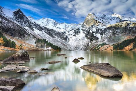 Der Altai ist einer der wenigen Orte auf der Welt, wo bis heute eine einzigartige Volkskunst lebendig ist: das Geschichtenerzählen. Foto: Shutterstock