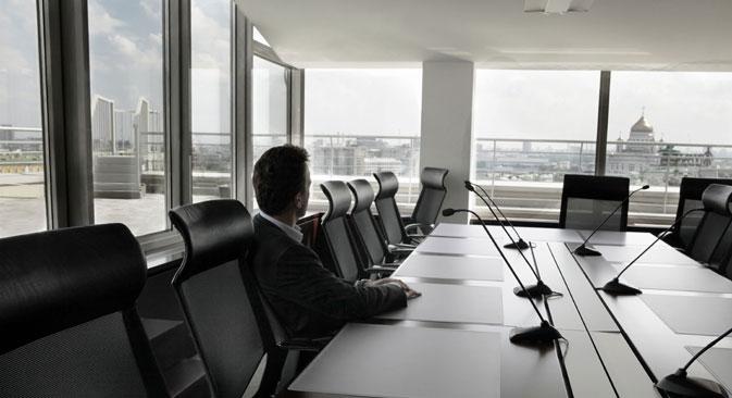 Einige ausländische Arbeitsnehmer sind von der politischen Lage beeindruckt und deshalb nicht in Russland arbeiten wollen. Andere treffen die Entscheidung über ihren Arbeitsplatz unabhängig von politischen Entwicklungen. Foto: Getty Images/Fotobank