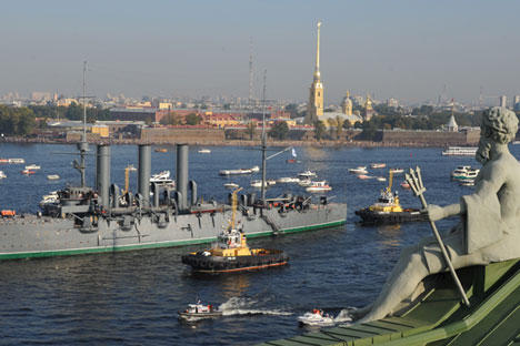 """Das legendäre Kriegsschiff """"Aurora"""" wird zurzeit instandgesetzt.  Foto: Jurij Belinskij/TASS"""
