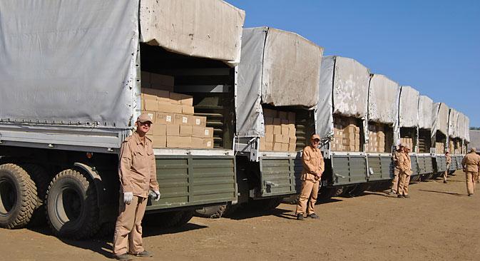 Der vierte Hilfskonvoi ist auf dem Weg nach Donezk und Lugansk. Foto: AFP/East News