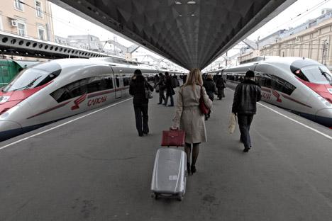 Zwei von Siemens gebaute Sapsan-Züge auf dem Moskauer Bahnhof in St. Petersburg. Foto: RIA Novosi