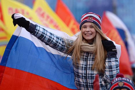 """""""Den Russen ist bewusst, dass die wirtschaftliche Lage derzeit nicht so rosig ist wie zum Beispiel im Westen, aber sie sind stolz auf die Geschichte Russlands"""", sagen Soziologen. Foto: Ramil Sitdikov / RIA Novosti"""