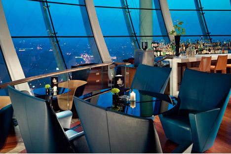 Swissôtel Krasnye Holmy Moscow ist eines der wenigen Moskauer Hotels in Insellage. Foto: Pressebild