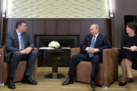 """""""Der russische Etat speist sich ungefähr zur Hälfte aus den Einnahmen aus dem Export von Erdöl und Erdgas. Der Rubelverfall sichert den Staatshaushalt gegen die sinkenden Einnahmen ab"""", erklären Experten. Foto: Reuters"""