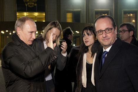 """Hollande sei der erste westeuropäische Staatschef, der seit Beginn der Ukraine-Krise in die Russische Föderation gereist sei, betont """"Kommersant"""". Foto: Reuters"""