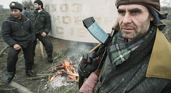 Ein tschetschenischer Kämpfer im Dezember 1994. Foto: Igor Muchajew/RIA Novosti