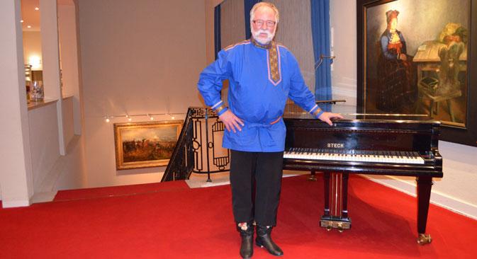 """Uwe Schoch: Der Wuppertaler, der """"Kalinka"""" singt. Foto aus dem persönlichen Archiv."""